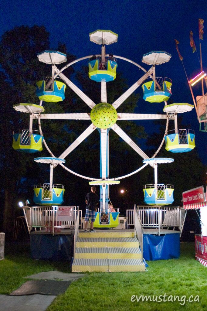 image of empty ferris wheel at night